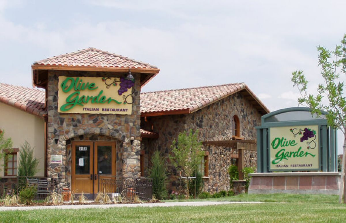 How to pitch your brand in national restaurant chains for Call the olive garden